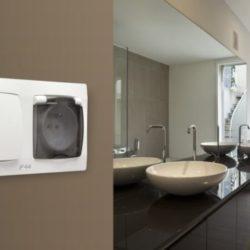 Розетки и выключатели в ванной комнате